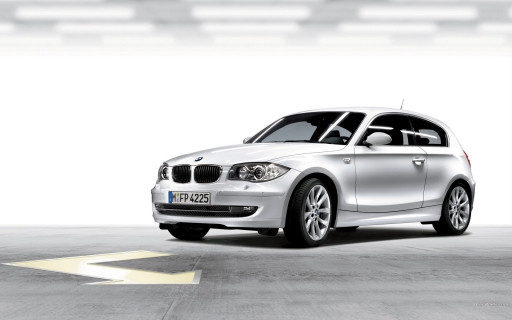 White BMW 1 series desktop wallpapers. White BMW 1 series free hq wallpapers. White BMW 1 series